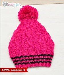 czapka, mamidadi, ręcznie robiona, hand made, smerfetka, z pomponem, na drutach, zwarkoczami, prezent, dla dziecka, różowa, z góry
