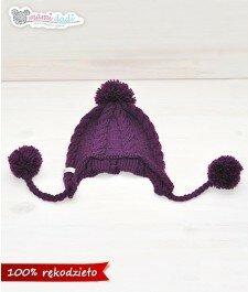 czapka, mamidadi, ręcznie robiona, hand made, z pomponem, na drutach, zwarkoczami, zakryte uszy, prezent, dla dziecka, fioletowa, z góry